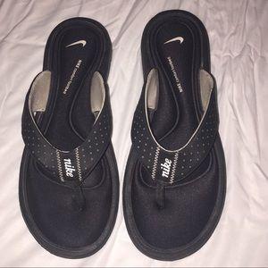 Women's Nike Sandals Size 8 Memory Foam